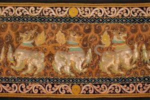 Kalaga Singha. Lev. Detail tři lvi.