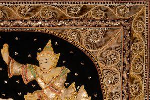 Vyšívaná dekorace Kalaga Ramayana 92 x 112 cm