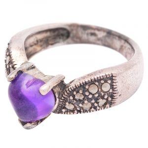 Stříbrný prsten s ametystem a markazity Ag 7,3 g